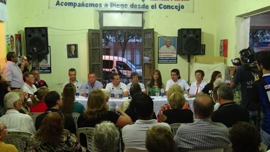 Con una Unidad Básica colmada, se selló la unidad del Peronismo Parejense.