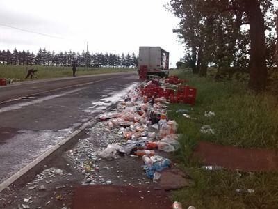 Un camión pierde rueda en pleno viaje por la Ruta 9.