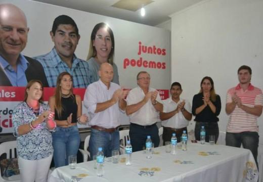 Gerardo Pavicic presentó a los precandidatos de Juntos Podemos.