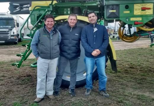 Compagnucci acompaño a las empresas parejenses en la Muestra Agroactiva 2015.