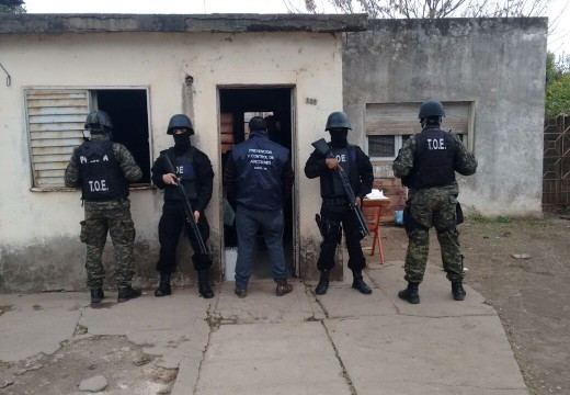 Procedimiento de la Brigada de Drogas de la URIII (Las Rosas)
