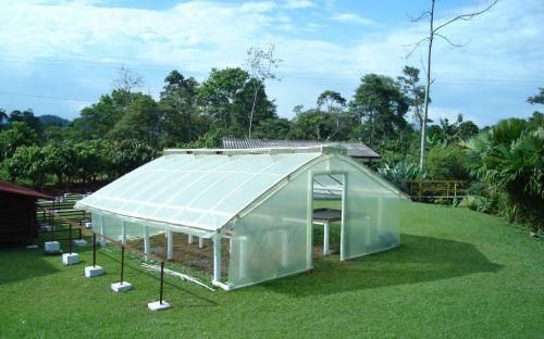 Las Rosas. Taller de Secaderos Solares, actividad de autoconstrucción.