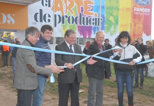 """AgroActiva se puso en marcha en Monje y todos pidieron """"la unidad y el desarrollo""""."""