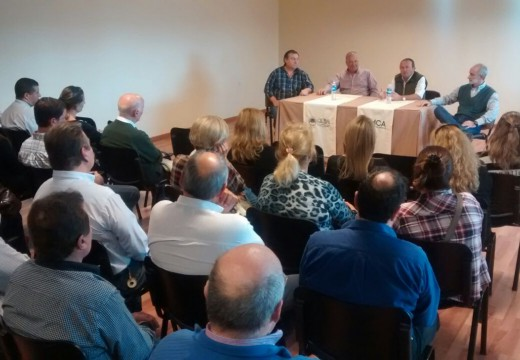Importante reunión en el Centro Comercial, Industrial y Rural, con representantes del Comercio Local.
