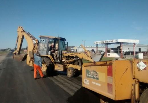 Comenzaron desde Armstrong hacia el sur los trabajos de re asfaltado en la Ruta Pcial. N° 15.