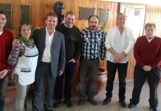 Diego Mansilla junto a Guillermo Cornaglia y Augusto Fischer en las Esc. N° 600 Y N° 262.