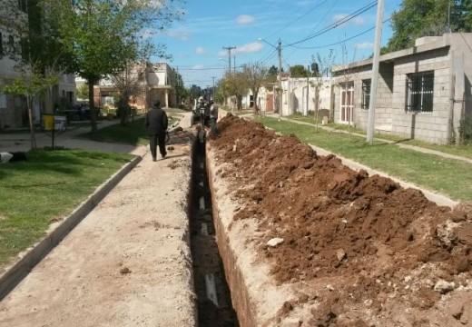 Avanza la obra de desagües cloacales en calle Buenos Aires entre Brasil y Bell Ville