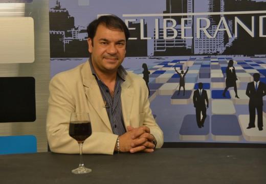Alejandro Bonalumi brinda un escenario económico a diciembre del 2015.