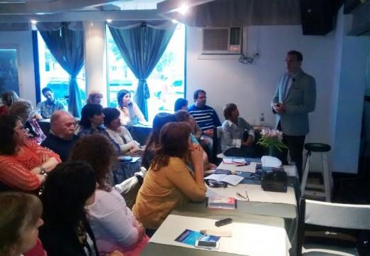 Armstrong. Fabian Garella ofreció una charla sobre Decodificación Biológica.