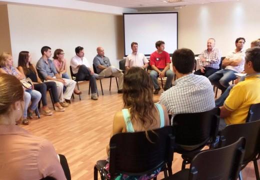 Reunión de referentes  del Centro Comercial, Industrial y Rural con ediles locales.