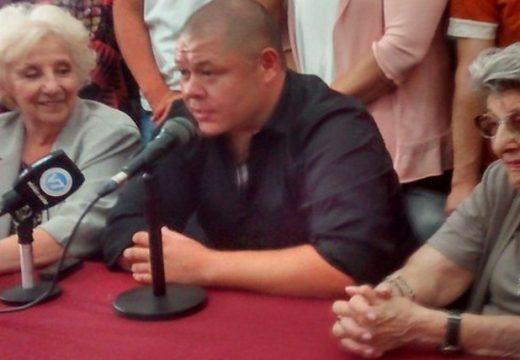 Mario Bravo se encontró con su mamá: «Escuchó mi llanto y ahora mi voz»