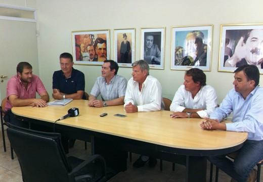 Con la visita del Secret. de Recursos Hidricos Verdecchia anuncio obras para la ciudad.