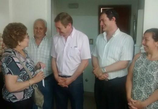 El Senador Guillermo Cornaglia entregó subsidios en Armstrong.