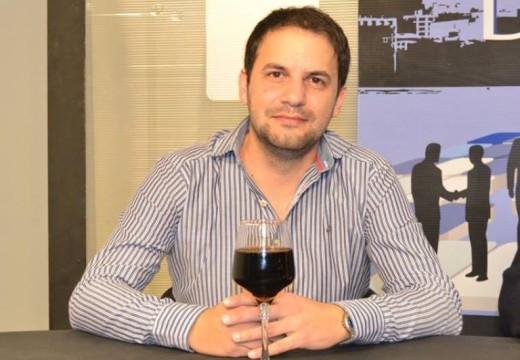 Emiliano Gramigna promueve un reclamo a empresa de telefonía celular que opera en nuestra ciudad.
