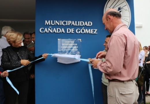 La intendenta Clérici inauguró el Centro Integrador Comunitario.