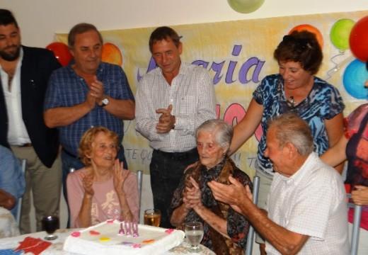 El Intendente Compagnucci participo del cumpleaños de La Abuela María.