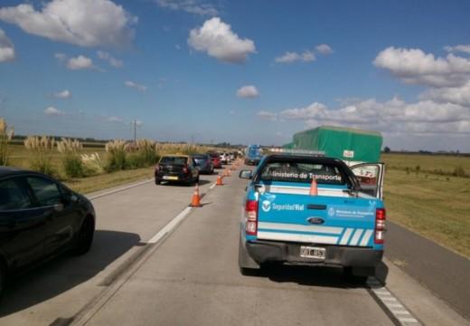 Volcó un camión y generó serias demoras para llegar desde Córdoba.