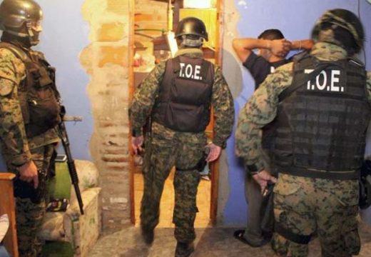 Allanamientos en el sur de Santa Fe 17 detenidos y secuestro de cocaína y marihuana.