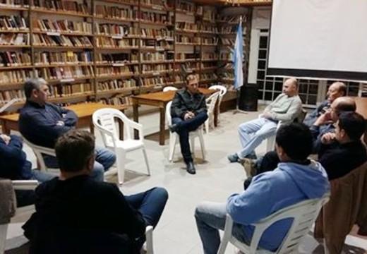 El Senador se reunió con integrantes del Centro Comercial Las Rosas.