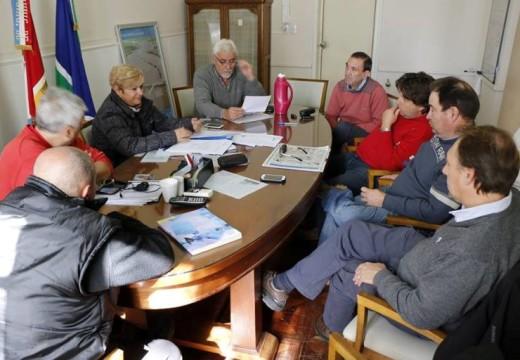 Clérici se reunió con productores y autoridades de ACA y AFA.
