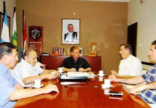 Horacio Compagnucci recibió a miembros de la Comisión del Centro de Jubilados.