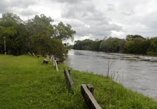 Hallaron el cuerpo de un niño en el Carcaraña y podría tratarse del chico desaparecido en Correa.