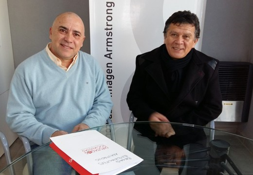 Miguel Solís presentó las becas para estudiantes universitarios y terciarios.
