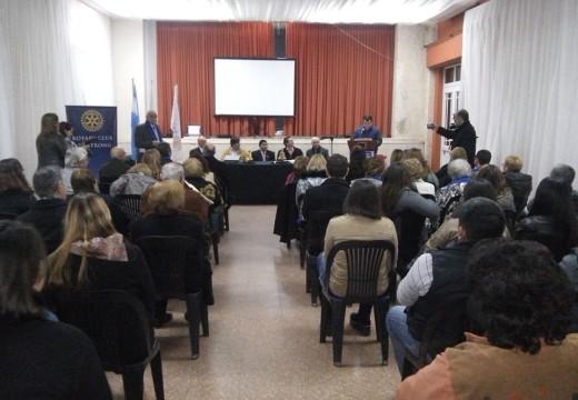 Se realizó la Ceremonia de cambio de autoridades en el Rotary Club de Armstrong.