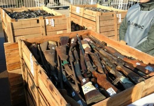 La Nación incineró las armas entregadas por el gobierno de Santa Fe.