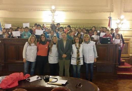 El senador recibio a docentes y alumnos del Departamento Belgrano.