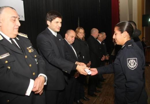 Santa Fe incorpora 199 nuevos agentes a la Policía de la provincia.
