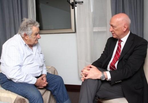 Bonfatti aseguró que «Pepe Mujica es un ejemplo a seguir».