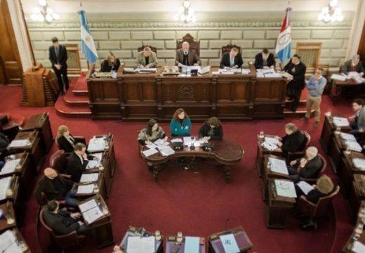 Diputados provinciales sólo sesionan cada 15 días.