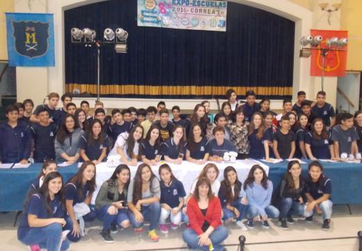 Correa:  El presidente comunal respondió petitorios entregados por alumnos de la EESO 260