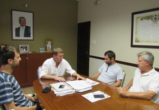 El Intendente Horacio Compagnucci recibió al Presidente de la Cooperativa de Viviendas.
