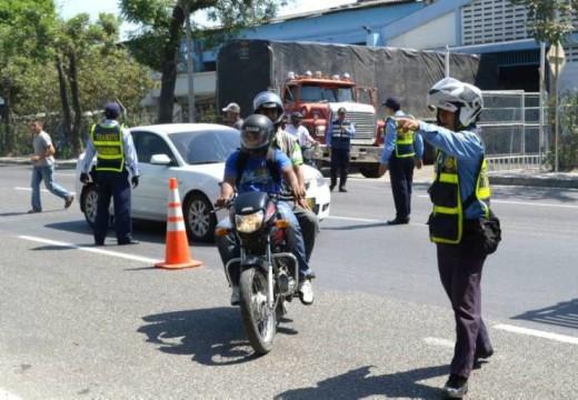 Armstrong: Comunicado dirigido a conductores de motocicletas.
