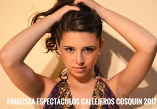 FestivalPais17 Cosquín: Julieta Marucco es finalista en Espectáculos Callejeros.