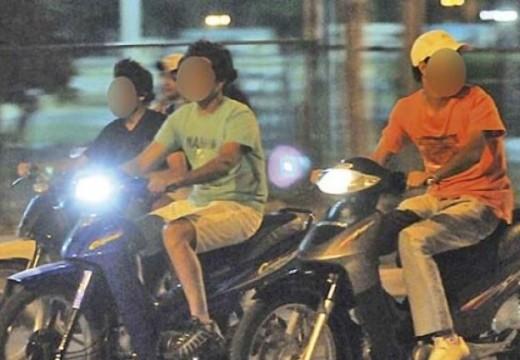 Armstrong. Comunicado a conductores de motocicletas.