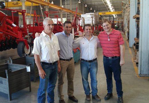 El Senador junto al Secretario de Industrias visitaron empresas locales.
