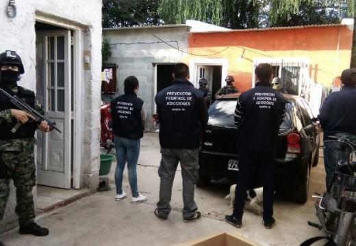 Allanamientos, detenidos y secuestro de estupefacientes en Correa.