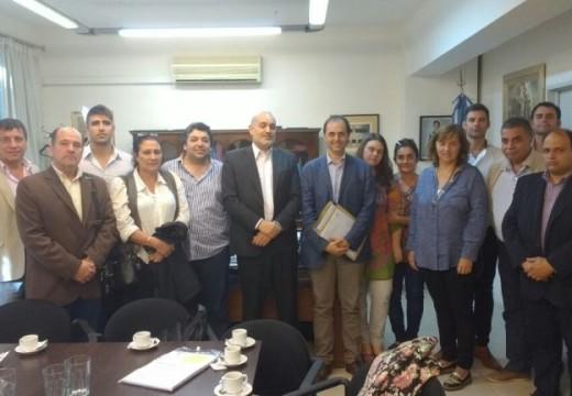 El senador Rasetto acompaño a nueve localidades de Iriondo que presentaron proyectos en Nación.