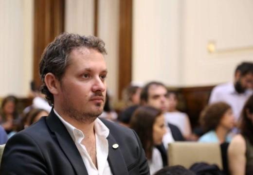 Diego Mansilla repudió anuncios falsos de incorporación de personal en empresa de Las Parejas.