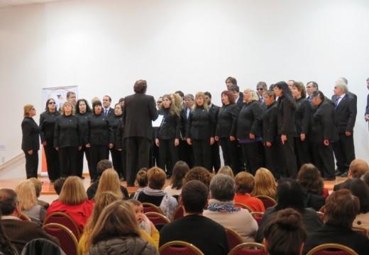 """Villa Eloísa disfrutó del coro nacional de ciegos """"CARLOS LARRIMBE""""."""