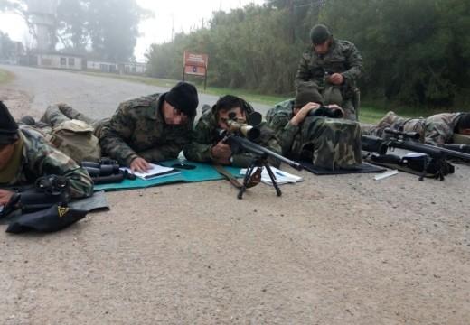 Policía de TOE aprobó el curso de francotirador dictado por el GEOF.