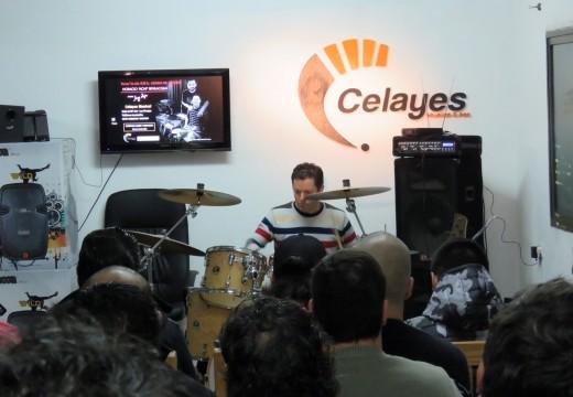 Las Parejas: exitosa clínica a cargo del baterista de Jorge Rojas.
