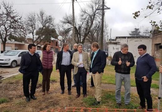 Cornaglia junto al Ministro de Infraestructura en Las Parejas.
