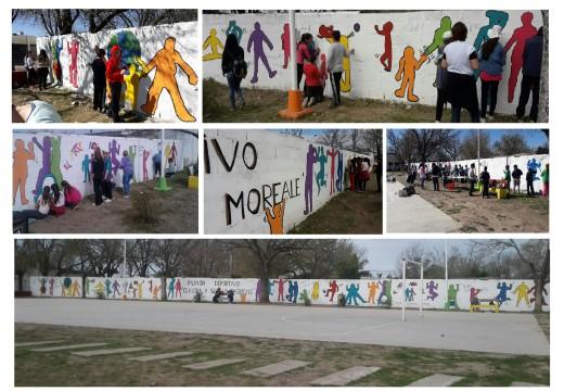 """Armstrong. Pintura artística en el playón """"Claudia y Sergio Moreale""""."""