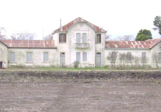 Rasetto propone declarar Patrimonio Historico a la Escuela de Correa.