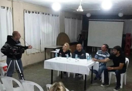 Armstrong. Barraca organizó una charla orientativa de fútbol.