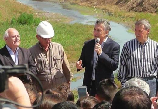 Macri cortó cintas:  obra hídrica en Tortugas y acería en Pérez.